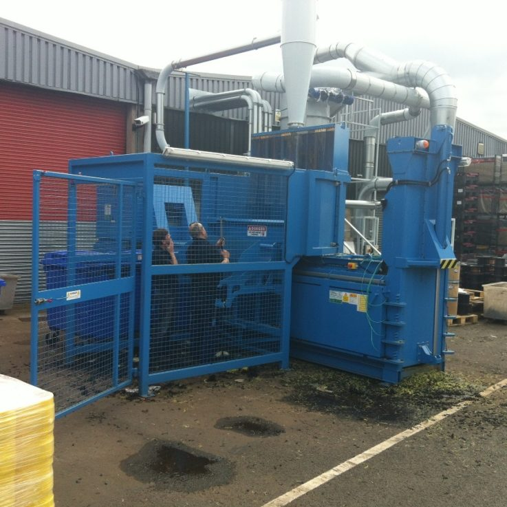 500HD Semi w Safety Cage & Bin Lift - Balers 10-20 tonnes per week