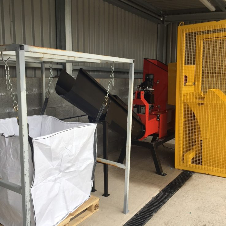 Screw Compactor With Bin-Lifter