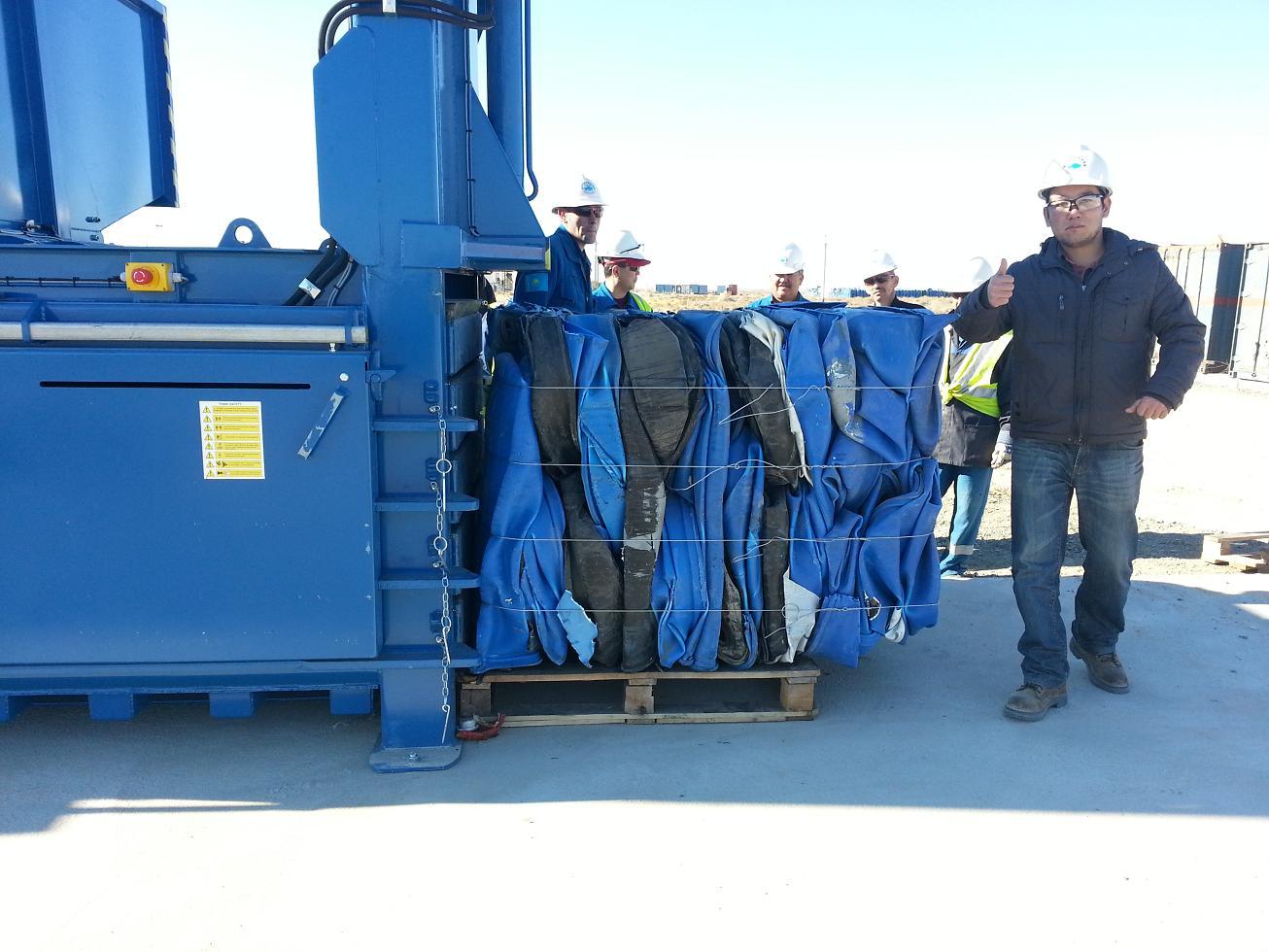 650HDE-Baling-200L-Plastic-Drums-Kazakhstan