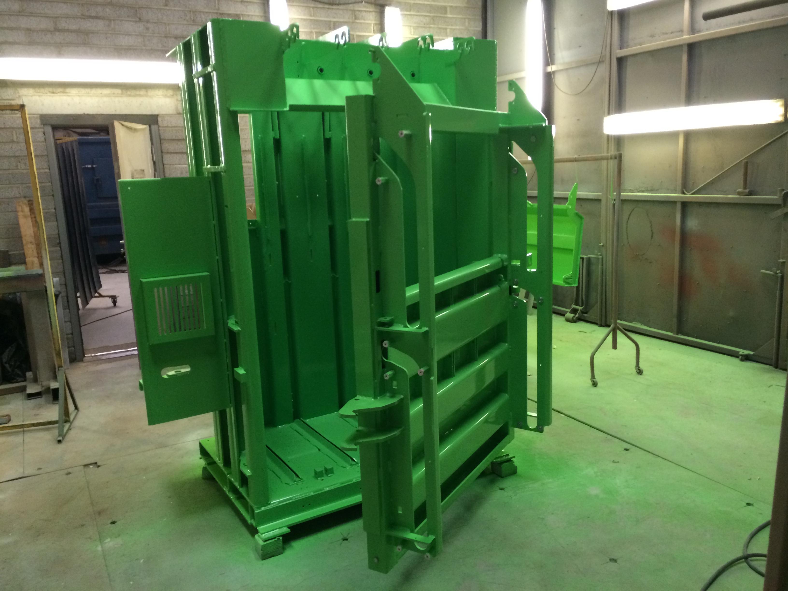 Mill-Size Baler